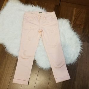 NWOT! Dollhouse Roll-up Skinny Capri Distressed